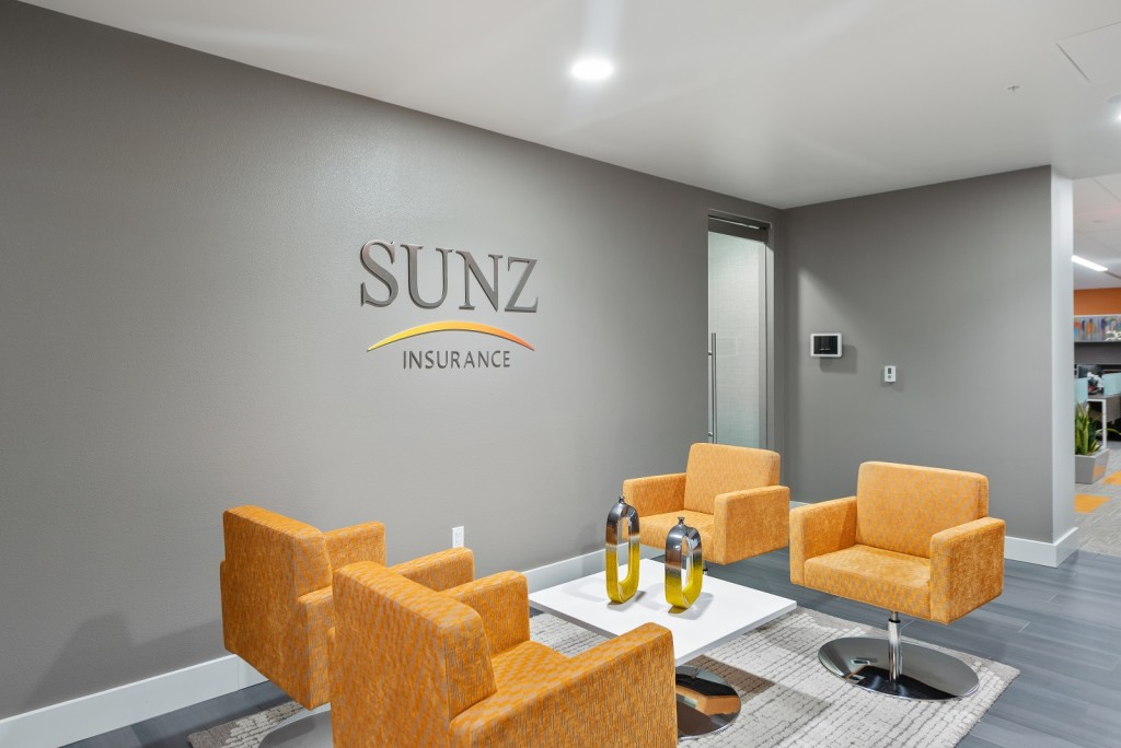_PT15623 Sunz lobby